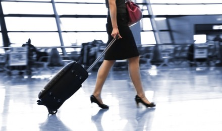 Using Credit Cards to Cut Airline Luggage Fees – Five Cards That Can Save You Money and Time When Traveling