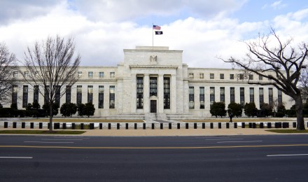 FOMC Minutes Reveal That More Bankers Want to End Stimulus Program